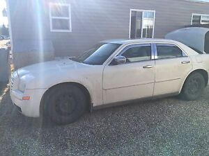 LOOKING FOR PARTS for a 2005 Chrysler 300