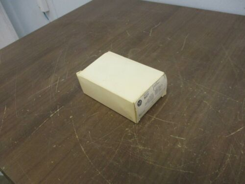 Allen-Bradley Oiltight Limit Switch 802T-AP Type 4,13 Encl Ser. J New Surplus