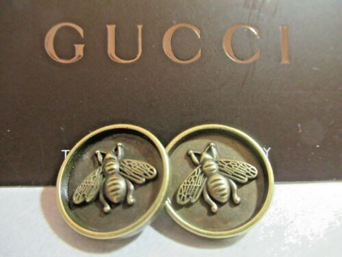 Gucci 2  buttons BEES BRASS TONE  18 mm   THIS IS FOR 2 stamped