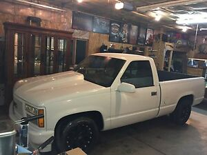 1992 gmc sierra shorty!!$5500 tax included on the road!