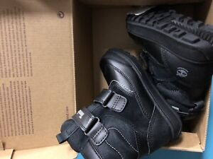 Toddler boots Timberland size 9.5 (new)