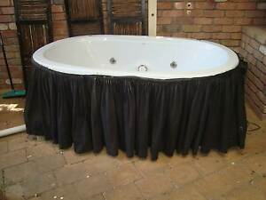 SPA BATH TWO SEATER STYLUS Wollongong Wollongong Area Preview