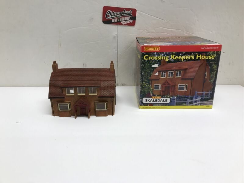 Hornby Skaledale R8590 OO Crossing Keepers House