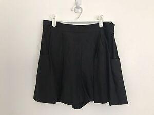 PRICE DROP $50-DRESS UP Linen/Silk Shorts North Bondi Eastern Suburbs Preview