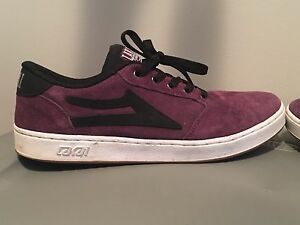 Great condition Men's size 9 Lakai skateboarding shoes