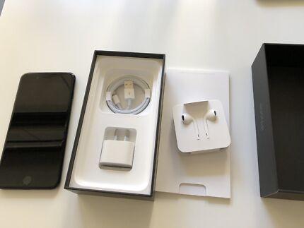 iPhone 7 Plus JetBlack 128 Gb