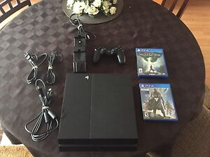 Used PS4 + 2 Games + 1 controller/charger