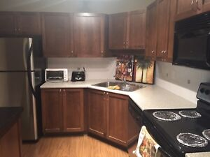 2 bedroom2 bath condo in Abbotsford . Available immediately!