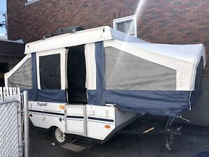 1997 flagstaff tent trailer / roulotte