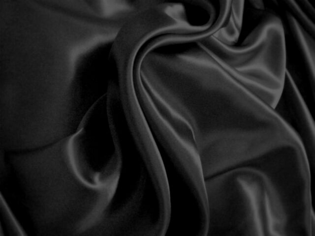 1 METRE OF 1ST QUALITY 100 % PURE BLACK SILK FABRIC