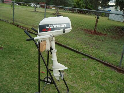 3.3 hp Johnson Outboard Motor
