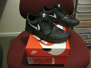 """AS NEW WOMENS """"NIKE AIR MAX THEA"""" BLACK/WHITE RUNNERS SIZE US6 Bayswater North Maroondah Area Preview"""