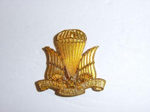 a0353 WW 2 Canada Canadian EM Paratrooper Corps Airborne Beret Badge IR17A