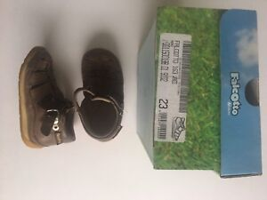 Falcotto by Naturino leather sandals size 7US/23 EUR