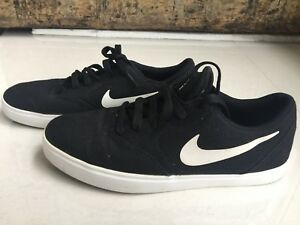 73191c261863 NIKE BLACK CANVAS SKATE SHOE SIZE US 6 24 CM VGC