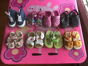 Girl's shoes( size 4)
