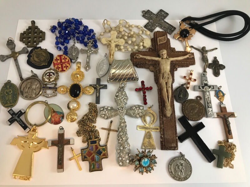 Vtg And Mod Religious Cross Crucifix Jewelry Accessory Lot 36 Pc Wear Repair