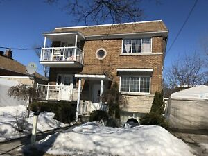 Large bright 51/2 upper duplex in ville Saint Laurent