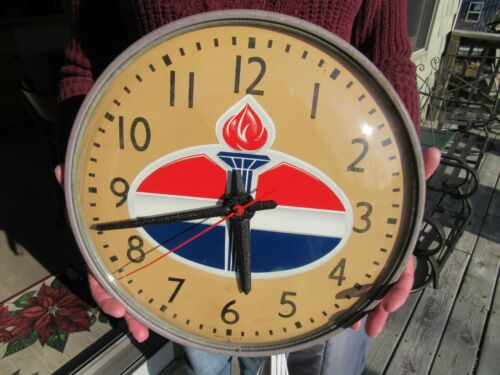 VINTAGE ORIGINAL STANDARD OIL ADVERTISING CLOCK MADE BY SIMPLEX RUNS GREAT