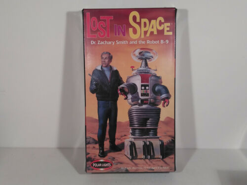 Lost In Space Dr. Zachary Smith and Robot B-9 Model Kit, Polar Lights 1999