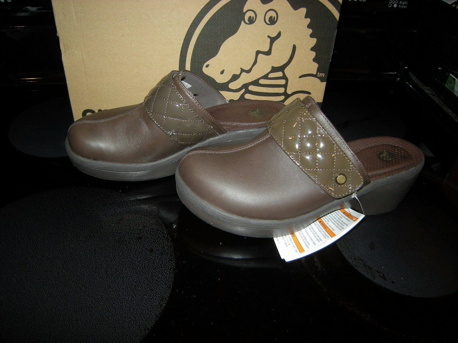 Brand New Womens Brown Crocs Cobbler Quilt Strap Slide On Shoes, Size 6