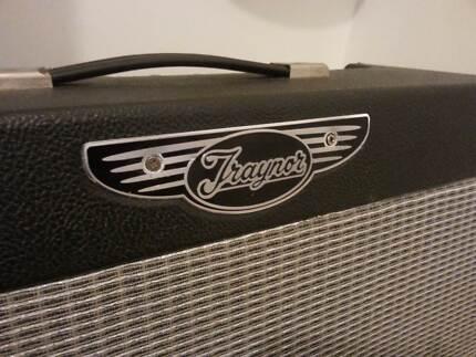 Canadian Made Traynor Custom Valve Amp, BEST FENDER CLEAN TONE!! Cornubia Logan Area Preview