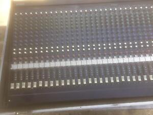 Yamaha mg32/14fx mixing console Moe Latrobe Valley Preview