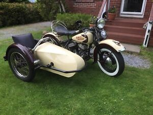 1943 Harley Davidson with sidecar