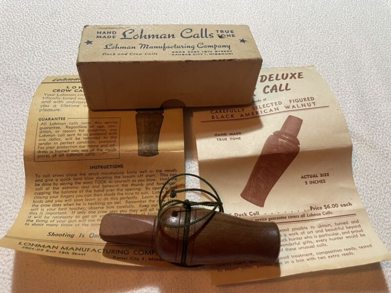 New In Box Vintage/Antique Lohman #104 Walnut True Tone Crow Call W/catalog