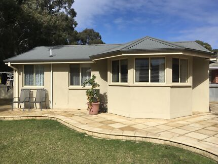 2BRM GRANNY FLAT, FULLY FURNISHED TO SUIT A PROFESSIONAL