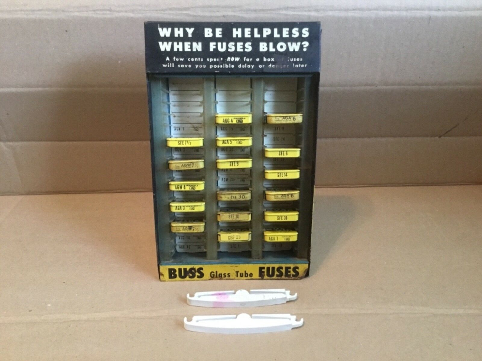 17 BOXES BUSS GLASS TUBE FUSES TIN BOX & METAL BUSS DISPLAY & GLASS FUSE PULLERS