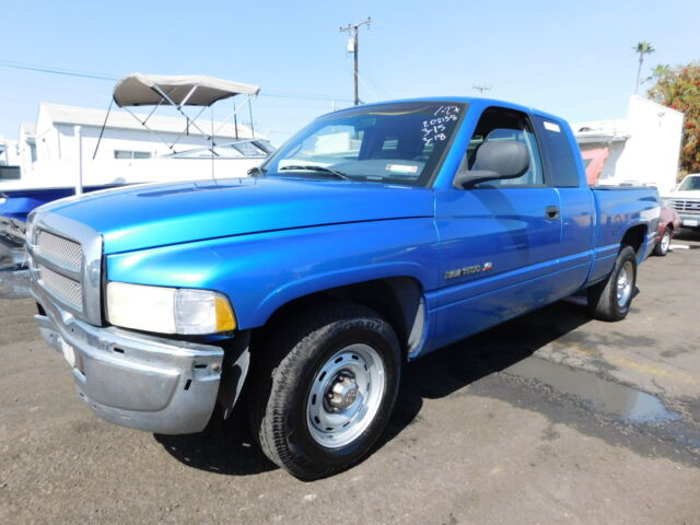 Imagen 1 de Dodge RAM 1500 blue