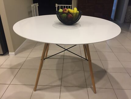 Dining Table Replica Eames