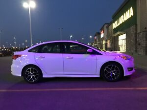 2017 Ford Focus SE with sport package