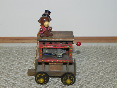 Vintage Ensco Crank Musical Train Part   Cute 1980 With Bear Or Monkey