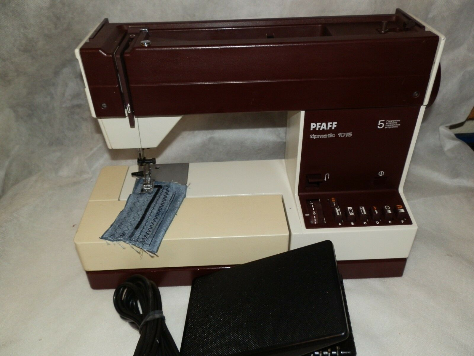 Pfaff Freiarm-Koffer-Nähmaschine 209 incl. 896542b8cb