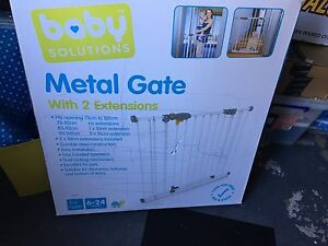 Metal baby gate North Lambton Newcastle Area Preview
