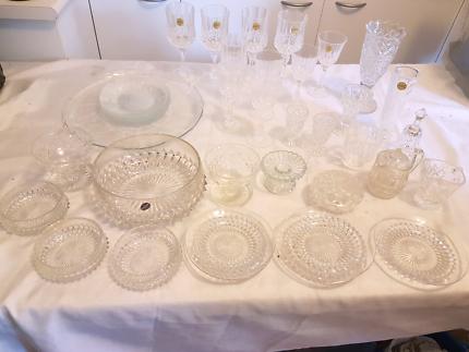 BULK LOT OF CRYSTAL & GLASS WINE GOBLETS & MORE