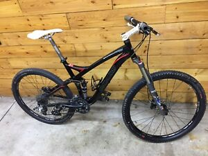 Specialized Stumpjumper Mountain Bike