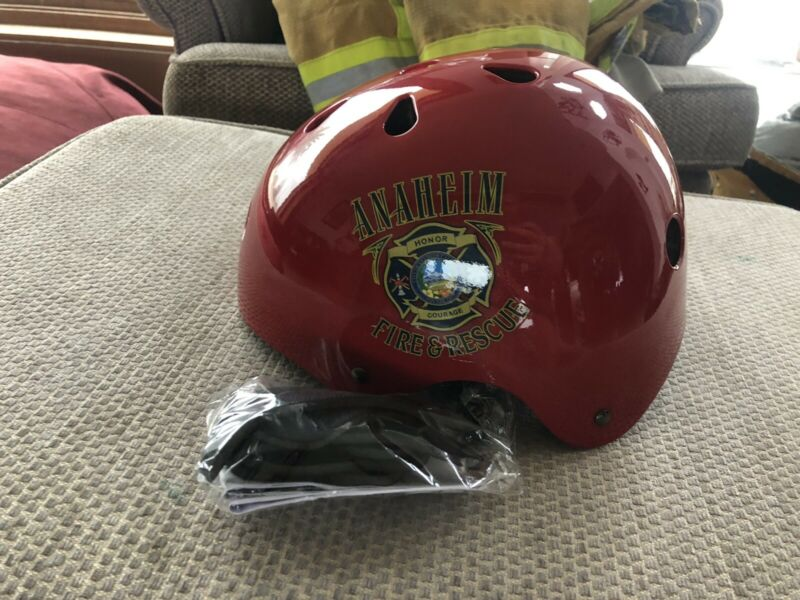 Brand New Anaheim Fire And Rescue Rare Training Helmet Disney FDNY LAFD Large