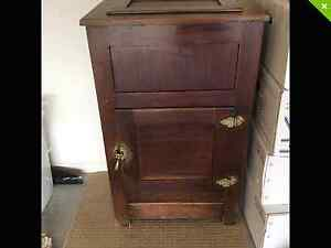 Antique Ice Chest Parrearra Maroochydore Area Preview