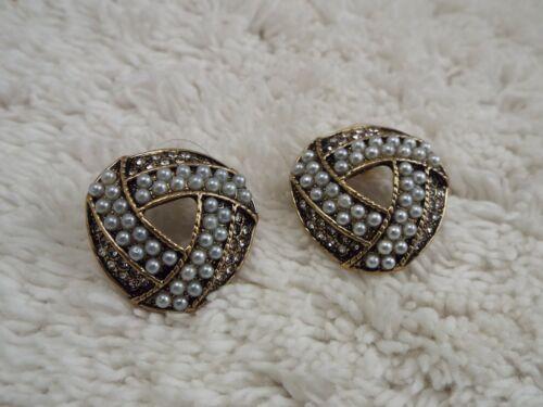 Goldtone Rhinestone White Bead Pierced Earrings (A7)