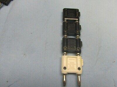 2 Dual Banana Plug Pomona 1330 Black Plastic And 2 Mdp-8 Shorting Bar Blkwht