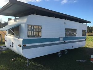 22 foot Franklin caravan and aluminium annex Nabiac Great Lakes Area Preview