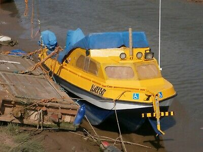 sea fishing boat pilot 4.60.. 15ft 2 engines anti fouled,repainted.lots with it.