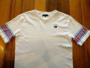 Tommy Hilfiger tee Size small