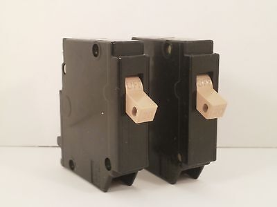 Cutler Hammer Set Of 2 Circuit Breakers 1 Pole20amps Ch120