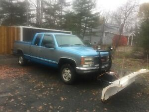 1995 GMC Sierra 4x4 with blizzard plow
