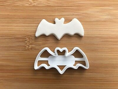 Halloween Uk Seller Plastic Biscuit Cookie Cutter Fondant Cake Decor Witch BAT