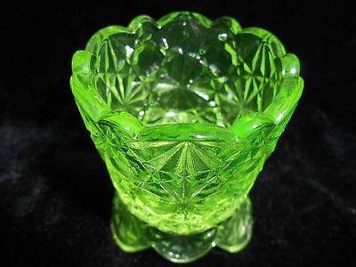 Green Vaseline glass daisy & button pattern toothpick holder uranium canary neon